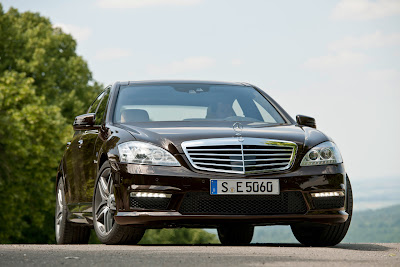2011 Mercedes-Benz S63 AMG Front View