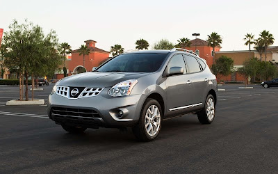 2011 Nissan Rogue Pictures