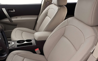 2011 Nissan Rogue Front Seats View