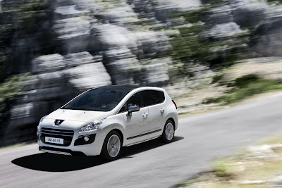 2012 Peugeot 3008 HYbrid4 First Look