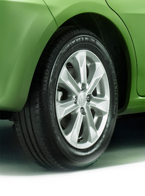 2011 Honda Jazz Hybrid Wheel View