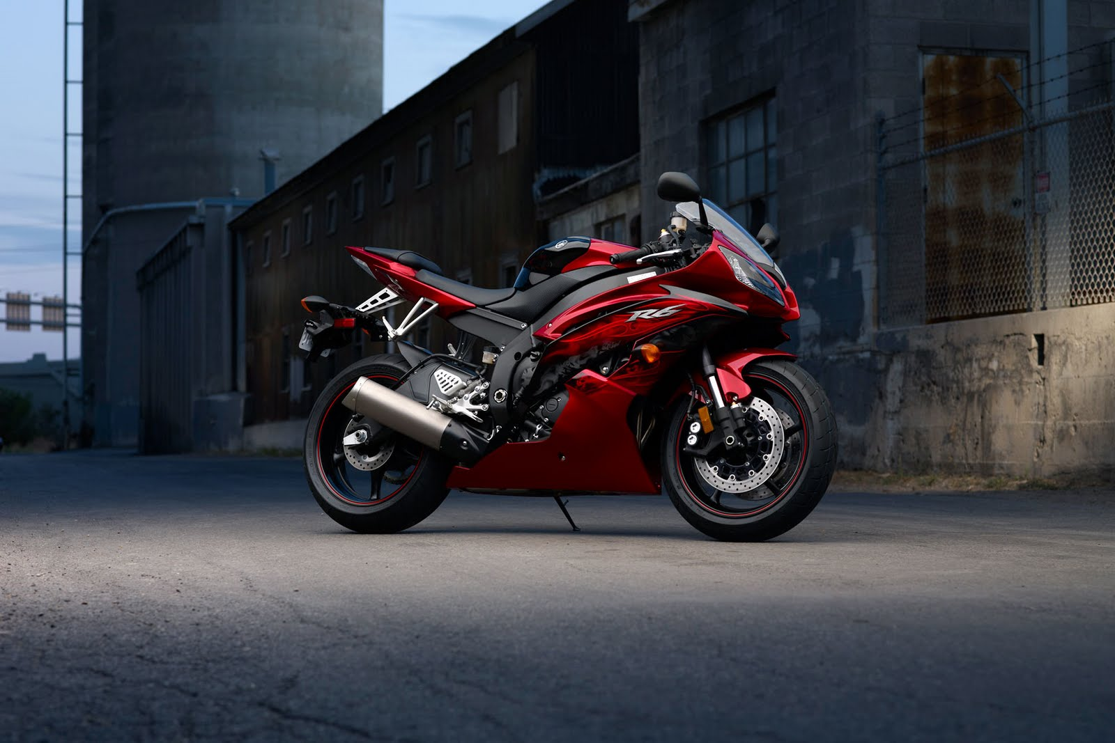 Cual es la moto de tus sueños???...con cual soñas? - Página 8 2011+Yamaha