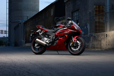 2011 Yamaha YZF-R6 Wallpaper