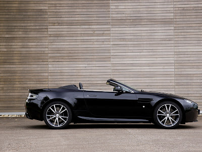 Aston Martin V8 Vantage N420 Roadster Side View