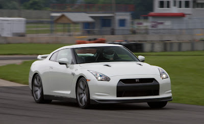 2011 Nissan GT-R Car Picture