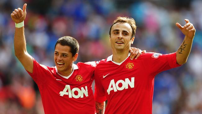 Javier+Hernandez+and+Dimitar+Berbatov+Celebrate A Tale Of Two Forwards