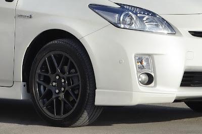 2011 Toyota Prius X Headlight
