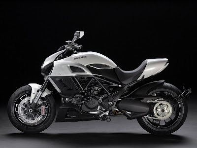 2011 Ducati Diavel Pearl White Silk Color