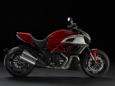 2011 Ducati Diavel Official Pictures