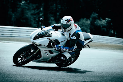 2011 Triumph Daytona 675R Action