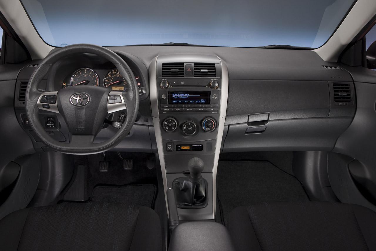 http://3.bp.blogspot.com/_J3_liDBfbvs/TONOdwzGOAI/AAAAAAAAzwQ/9C_NPzzNvRg/s1600/2011+Toyota+Corolla+Interior.jpg