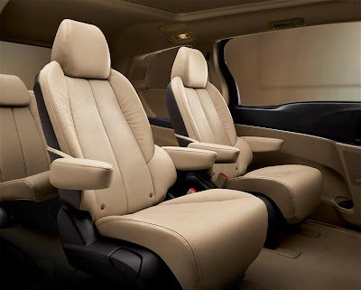 2011 Buick GL8 Rear Seats Photo