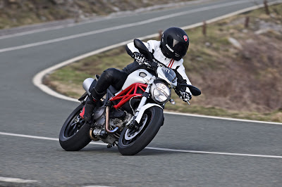 2011 Ducati Hypermotard 796 Photos