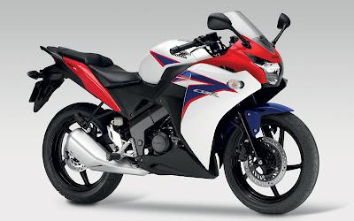 2011 Honda CBR125R Tricolor Edition