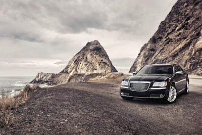 2011 Chrysler 300 Car Wallpaper
