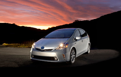 2012 Toyota Prius V Car Wallpaper