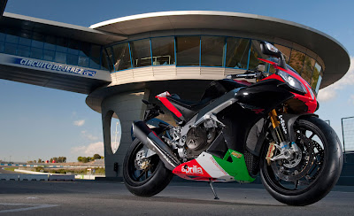 2011 Aprilia RSV4 Factory APRC SE Photos