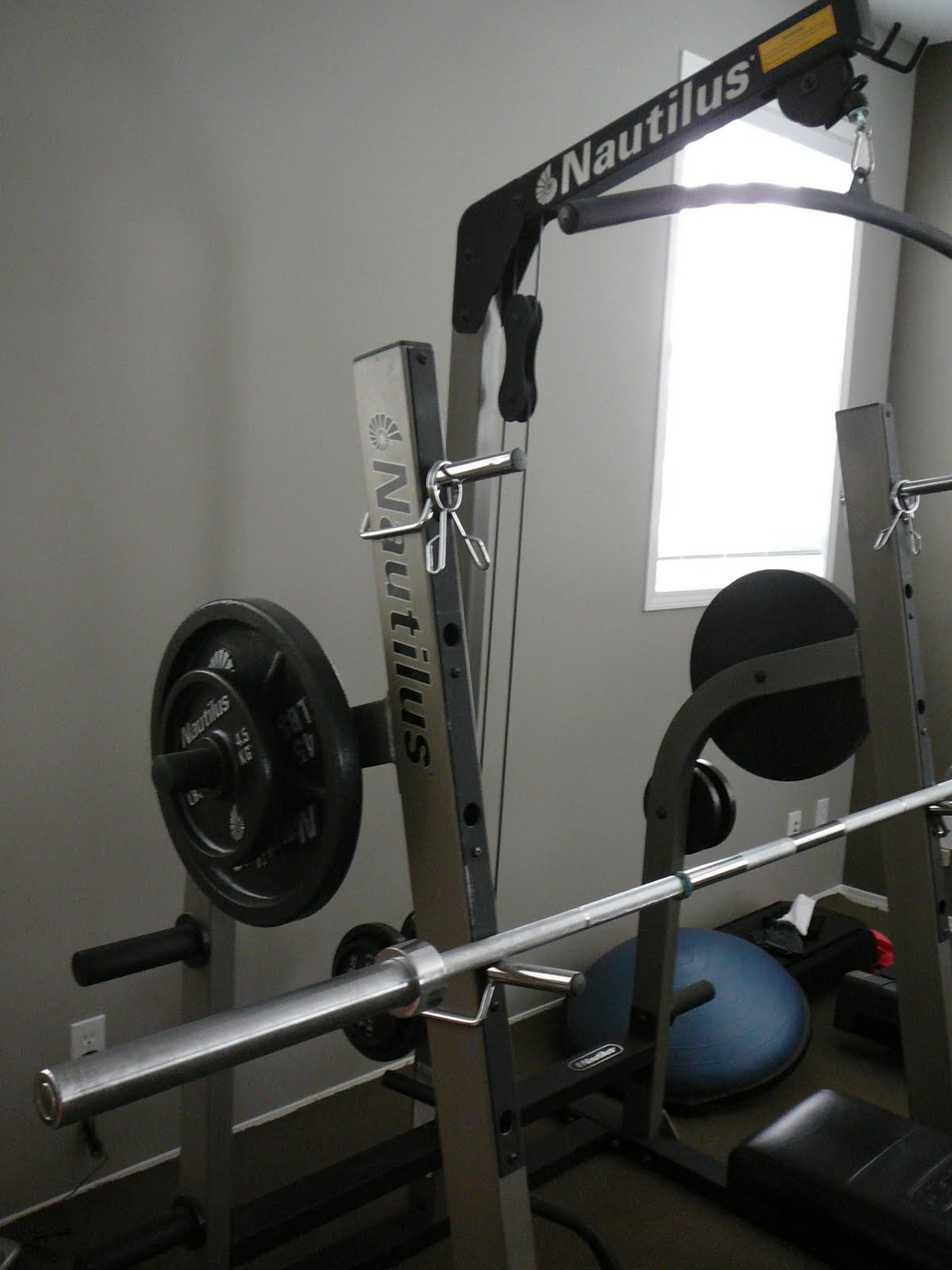 Movingsaleyyc2011 nautilus weight set with bench 600 obo Bench and weight set