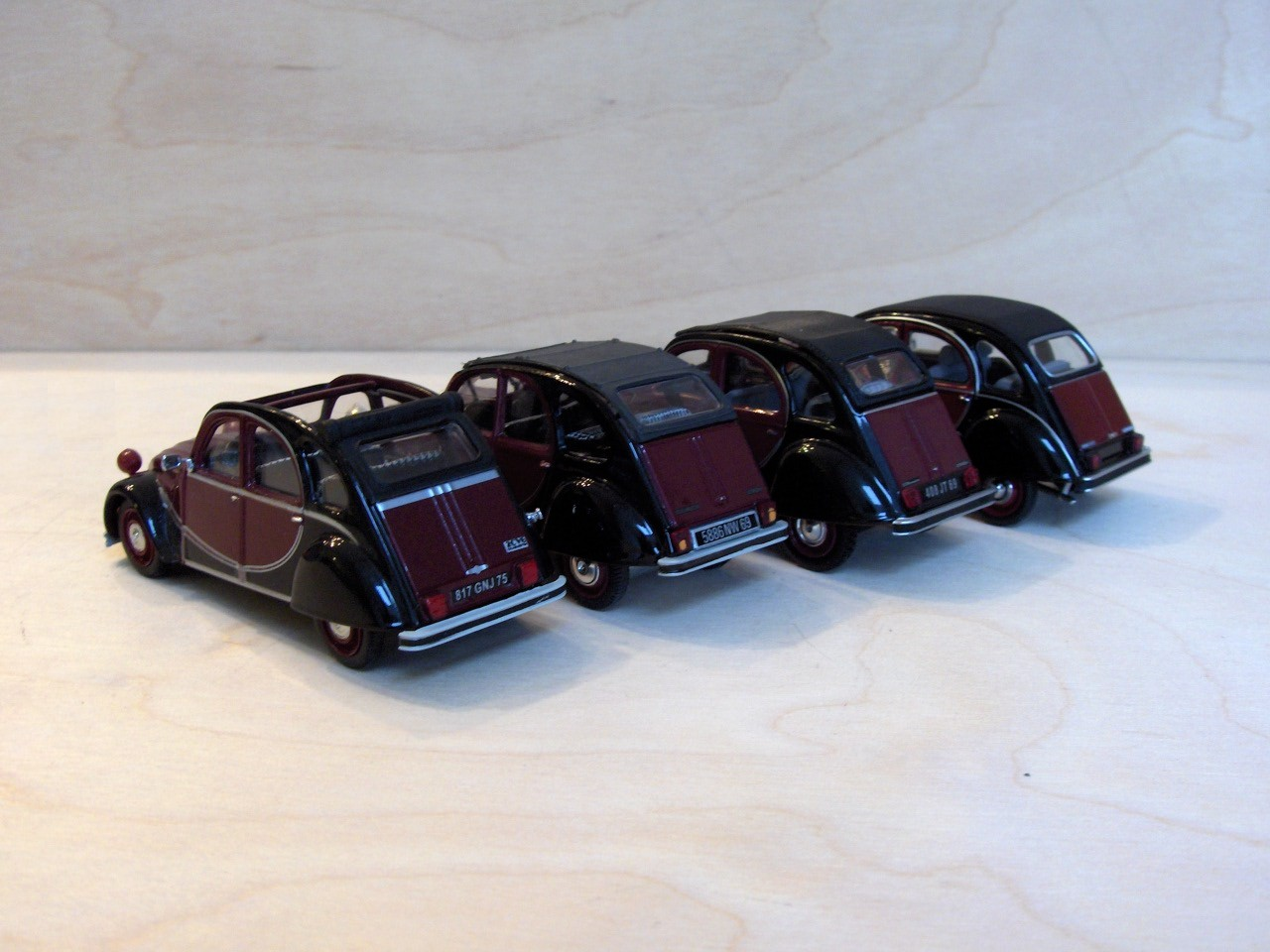 [60A2CV_PHOTO_169_2cv_Charleston_Vitesse_Norev_Minichamps.JPG]