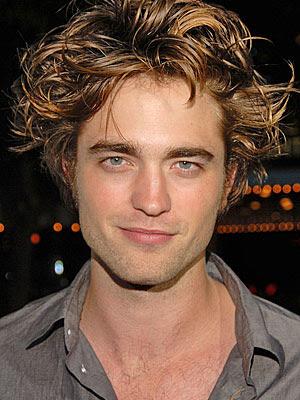 http://3.bp.blogspot.com/_J5lA45Wlfz0/SWmos5HA9DI/AAAAAAAAAj8/x3Md3DORn4g/s400/robert_pattinson_reveal+hair.jpg