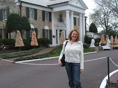 HI FROM GRACELAND YES THE KING AND I HAVE ALWAYS LIVED VERY CLOSE TO EACH OTHER