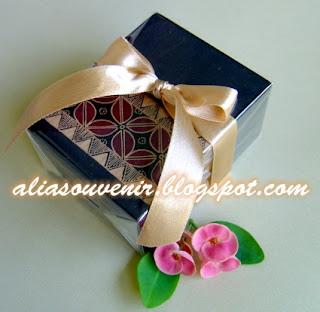 souvenir kotak asessoris