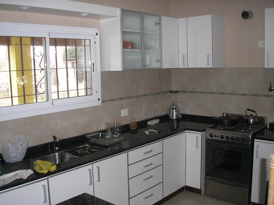 La veta azul enero 2011 for Severino muebles cocina alacena melamina blanca