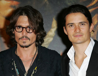 Johnny Depp with Orlando Bloom playing poker