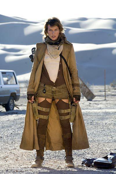Celebrity Poker: Milla... Milla Jovovich Resident Evil