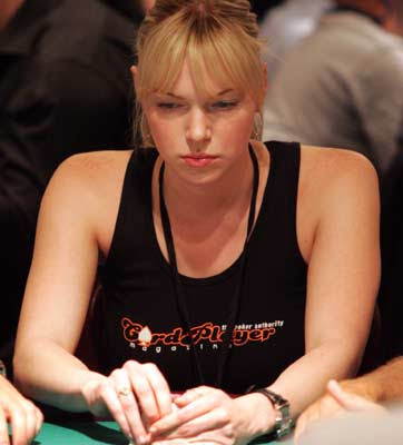 Laura Prepon | poker