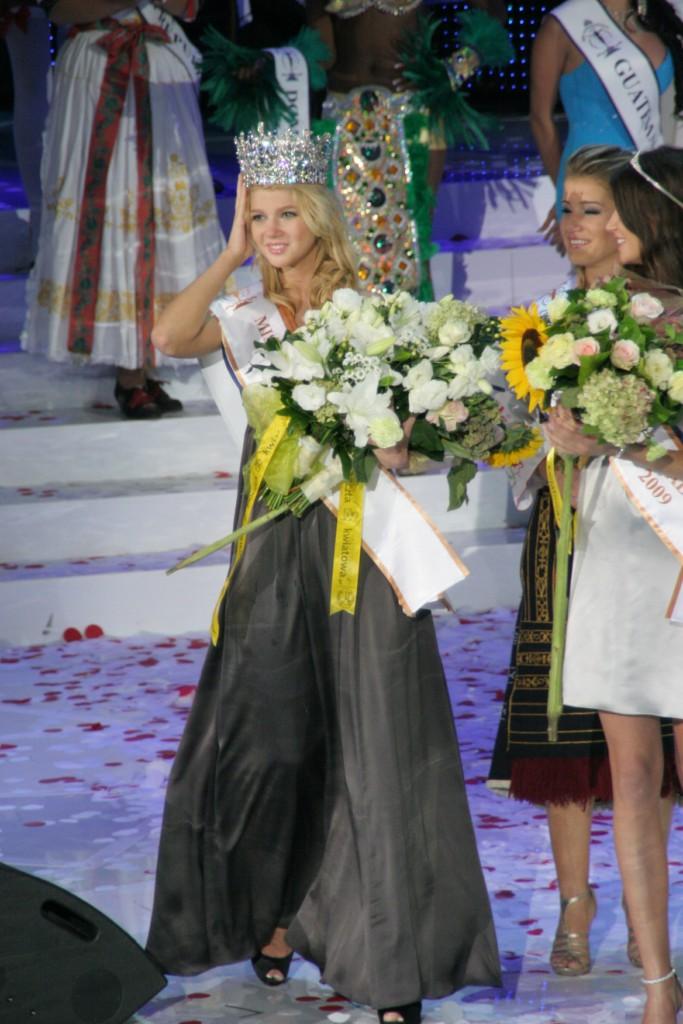 [miss+supranational+2009.jpg]