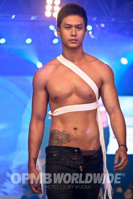 Jommy Dance Naked - Pinoy Fear Factor - VidInfo