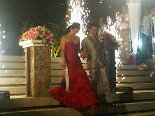 The newly weds: Ogie and Regine