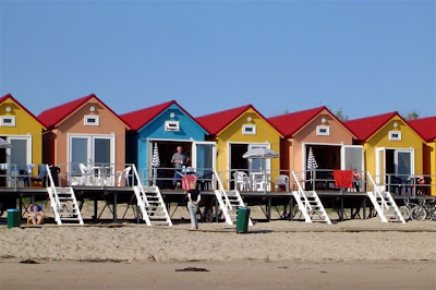 oro nieuws knokke heist slapen op het strand in aangepaste huisjes. Black Bedroom Furniture Sets. Home Design Ideas