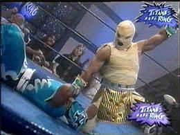 Faraon contra Tsunami Titanes 2001