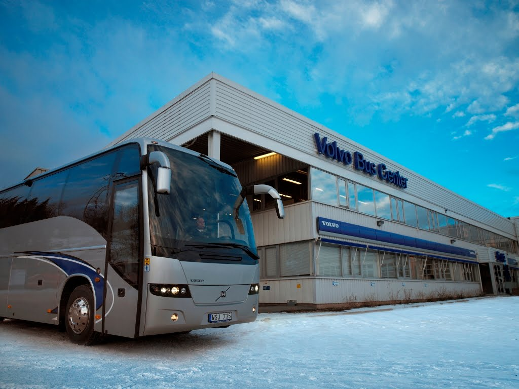 Volvo luxury bus interior - Volvo Opens Bus Centers In India