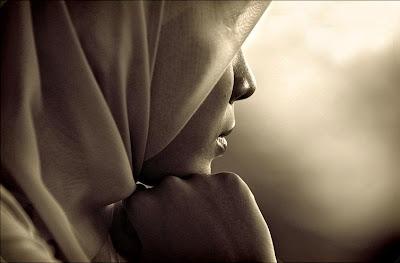 http://3.bp.blogspot.com/_JAAtSgMkZkA/TMqSpD6FurI/AAAAAAAAAMM/WqKmlXp3Lkc/s1600/Muslimah+(2).jpg