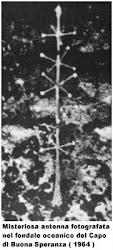 MISTERIOSA ANTENNA FOTOGRAFATA NEL FONDALE OCEANICO DEL CAPO DI BUONA SPERANZA NEL 1964