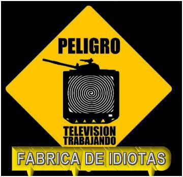 """""""La Fábrica de Idiotas"""" es un Taller AudioVisual de Relectura crítica del mensaje de los medios."""