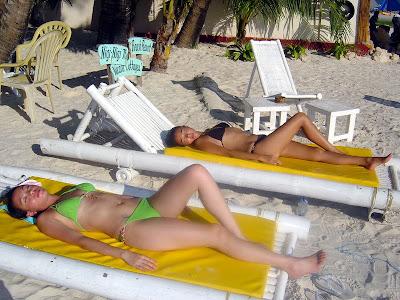 Nigi Nigi Beach boracay