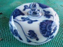 Porselen Dinasti Ming