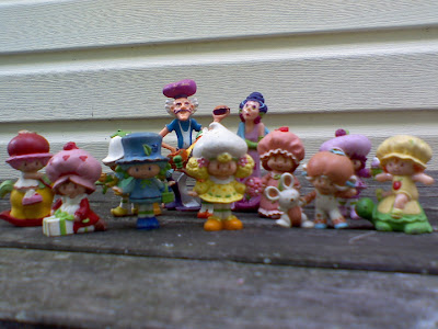 strawberry shortcake  figurines