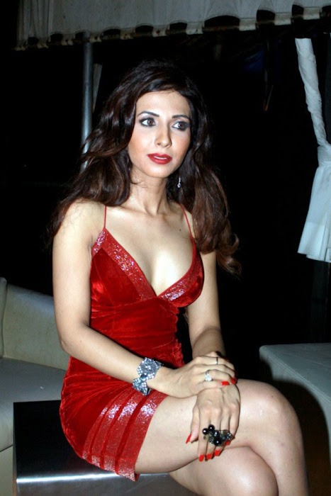 bollywood sheena nair ing her legss in red short dress actress pics