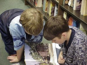 image of children reading courtesy of 1humber on sxc.hu