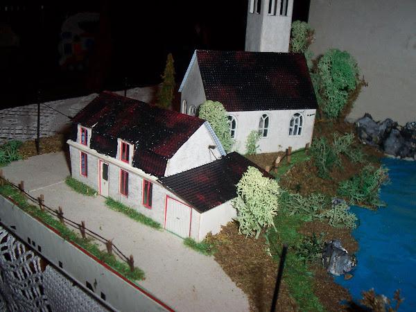le lac ,l'auberge et la chapelle