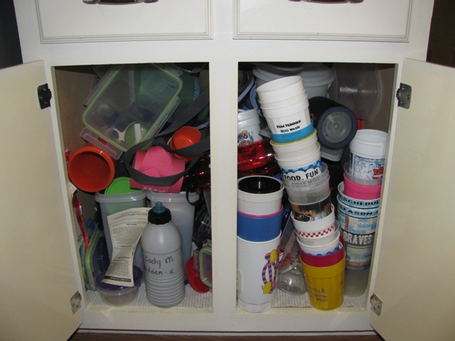 Challenge #3 Was Organizing The Messy Tupperware Cabinet. Well, I Ended Up  Doing That On Challenge #1 When I Was Carried Away. Here Are The Photos!