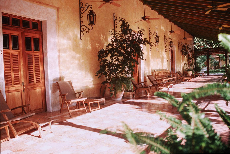 H u n k a d e c o r a t i e mexicooooo for Design hotel yucatan