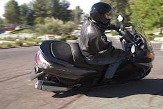 Para que después no digan que los scooters no tumban!