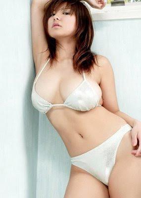 Japanese Idol Miri Hanai