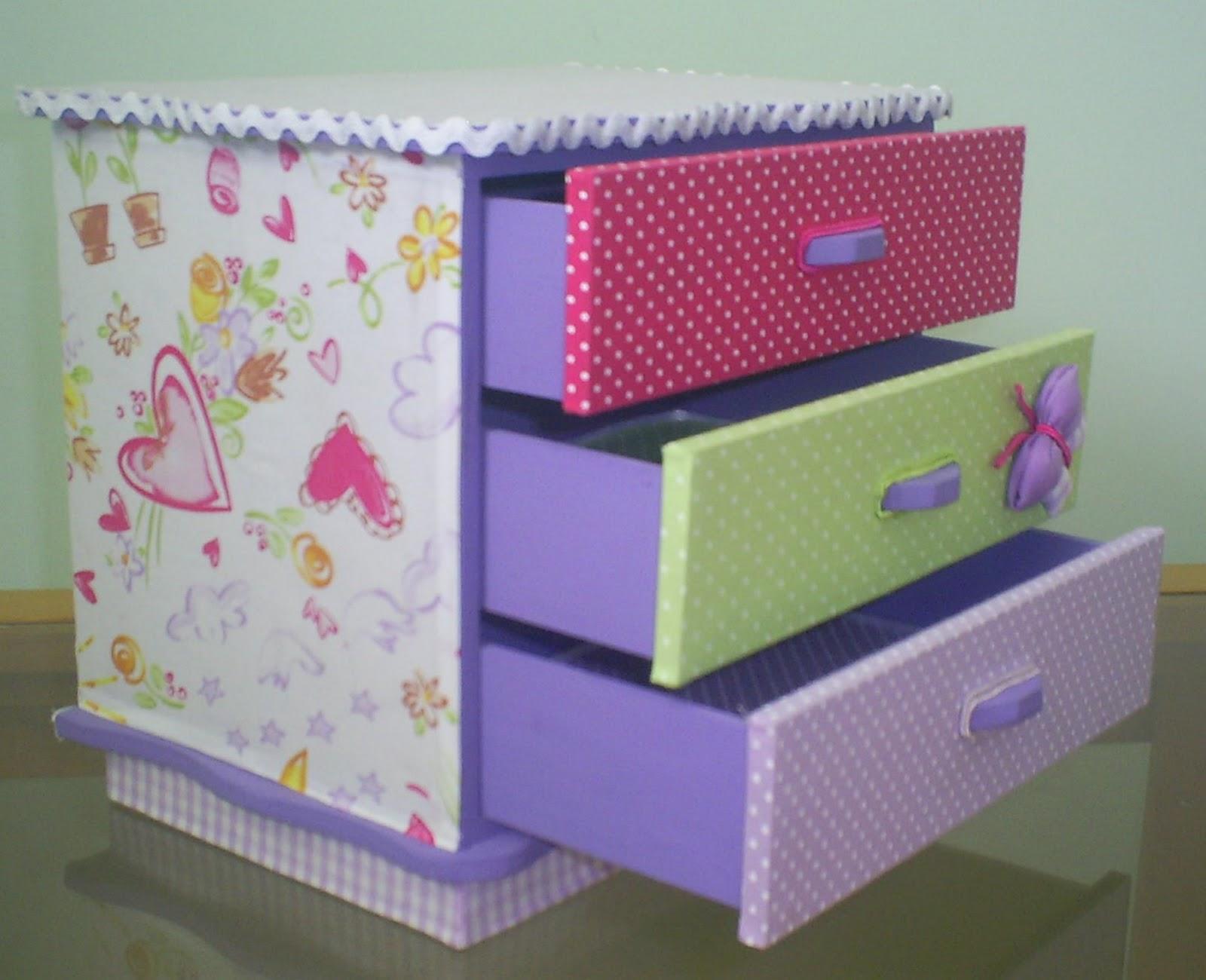 Presentes Exclusivos e Personalizados: Mini Cômoda forrada com tecido #8E3D64 1600x1300